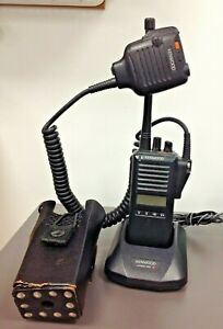 KENWOOD TK-280 VHF, 5W , 250 CH, MIC, Leather Case, w KSC-19 and Power Cube