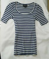 Women XS Top EUC Banana Republic Blue White Stripe Short Sleeve Shirt Roundneck