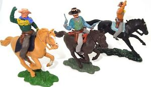 BRITAINS HERALD TOYS - 3 MOUNTED COWBOYS