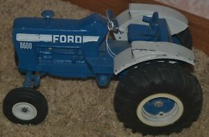 Ertl Die-Cast 1/12 Scale Blue Ford 8600 Farm Tractor