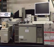 HEWLETT PACKARD 5890 SERIES II PLUS GAS CHROMATOGRAPH