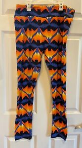 TC Lularoe Halloween leggings with Bats
