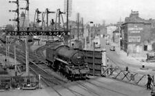 PHOTO  LNER 61236 LINCOLN PELHAM STREET LEVEL CROSSING 1956