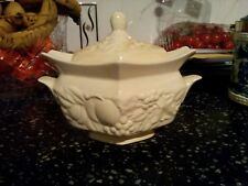 Palissy England Crown Ware couvercle plat