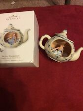 Hallmark Ornament BACK TO WONDERLAND Disney's Alice in Wonderland teapot 2010 NU