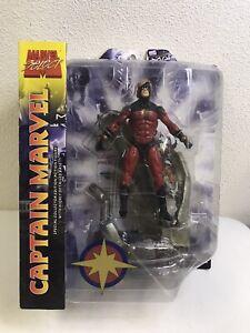 "2008 Diamond Select Marvel Select Captain Marvel 7"" Action Figure"