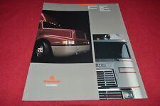 International Navistar Truck Advance Paint Technology Dealer's Brochure YABE18