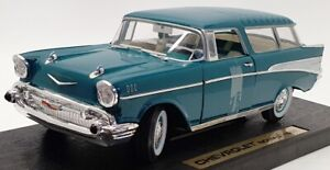 Road Legends 1/18 Scale Model Car 92088 - 1957 Chevrolet Nomad - Green