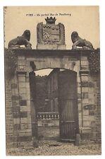 vire , un portail rue de neufbourg