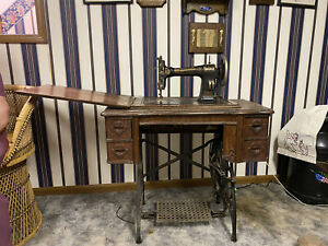 White Treadle sewing machine table 1910s