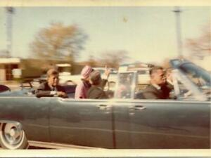 PRESIDENT JFK JOHN F KENNEDY JACKIE NOVEMBER 1963 DALLAS MOTORCADE 8.5X11 PHOTO