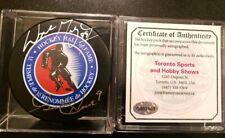WAYNE GRETZKY HOF + GORDIE HOWE MR HOCKEY DUAL SIGNED PUCK RARE NHL STARS + COA