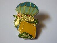 Pin's vintage épinglette collector Publicitaire  lot F140