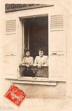 BK389 Carte Photo vintage card RPPC Femme woman fenetre magasin enseigne