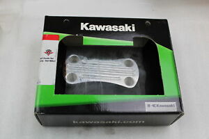 KAWASAKI OEM BILLET HANDLEBAR CLAMP BALL MILLED VULCAN 1700 NOMAD K53020-388