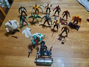 1994 Spider-Man Animated Series 1 & 2 collection 12 out of 14 and Lizard vehicle