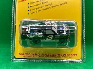ORIGINAL LIFE LIKE FAST TRACKERS # 3 GOODWRENCH WITH M CHASSIS, FITS ROKAR AMRAC