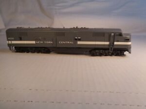 HO Scale Con-Cor New York Central Dummy Engine E Unit Unpowered #4030