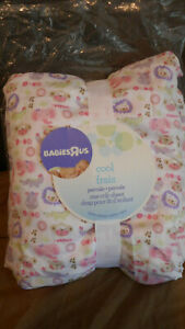 GIRL'S CRIB SHEET/FITTED/BABIES R US/WHITE WITH MULTI COLOR PRINT