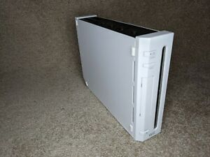 1x NINTENDO Wii CONSOLE (WHITE) REPLACEMENT CONSOLE ONLY NO LEADS (RVL-001 EUR)