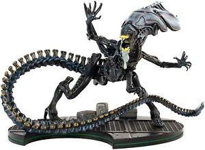 Aliens Alien Queen Q-Fig Max Elite Diorama Quantum Mechanix