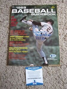 JUAN MARICHAL SAN FRANCISCO GIANTS SIGNED 1969 BASEBALL GUIDEBOOK beckett coa