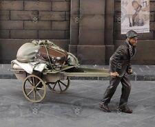 1/35 Scale Unpainted Resin Figure Civilian Pulling A Cart