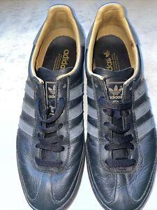 Adidas Jeans Size 9 Black