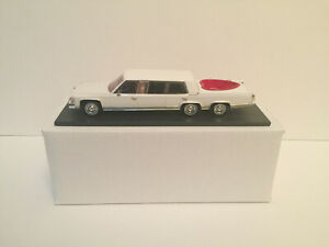 1/43 1982 Cadillac stretch limousine with Jacuzzi without displayed case