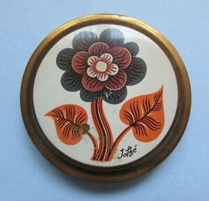 FAB VINTAGE RETRO KITSCH GOLD TONE FLOWER DESIGN FLORAL COMPACT - JOFTE
