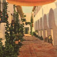 CA El Paseo De La Guerra, Santa Barbara c1945 Vintage Postcard Street In Spain