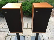 Gorgeous Pair of B&W, Dm4 Loudspeakers, in beautiful condition