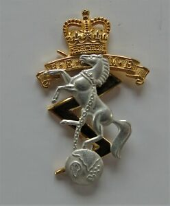 Royal Electrical & Mechanical Engineers Officers Cap Badge REME