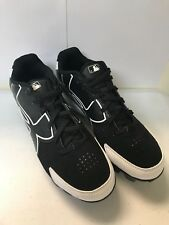 KID'S UNDER ARMOUR BASEBALL CLEATS, BLACK AND WHITE SIZES 1Y TO 4.5Y