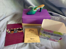 The Wave Just the Right Shoe by Raine #25060 Miniature 1999 Vintage Retired