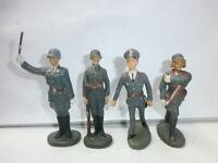 Konvolut 4 alte Hausser Elastolin Massesoldaten Fahnentraeger Flak zu 7.5cm