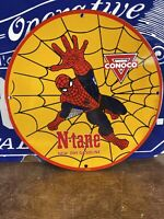 VINTAGE 1962 ''CONOCO N-TANE'' SPIDERMAN HEAVY PORCELAIN SIGN 12 INCH USA