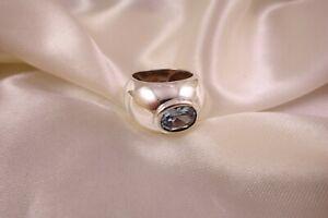 Ring aus Sterlingsilber mit synthetischem Spinell blau