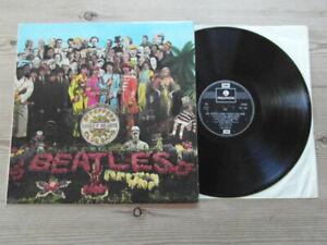 THE BEATLES-Sgt PEPPER-TWIN BOX EMI-PARLOPHONE-VG EX VINYL LP ALBUM-REISSUE.