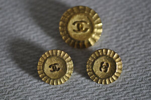 Chanel 3 bottoni originali Vintage in metallo - marcati sul retro - rari