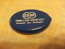 VINTAGE BLUE/WHITE ADVERTISING COOP GREENLEAF-WASHINGTON KS RUBBER COIN PURSE !!