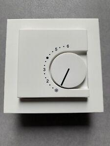 Gira 0391xx Raumtemperaturregler 24/10 (4) A~ System 55 Reinweiß inkl. Rahmen