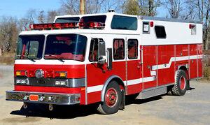 Riesen Feuerwehrauto Sammlung / Giant Fire Trucks Collection - AMERCOM - 1/64