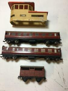 OO Gauge Trains Hornby dublo coaches for spares or repair