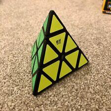 Qiyi Pyraminx Cubo Mágico Rubik Qiming a Espiral Rompecabezas