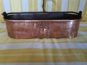 Poissonnière en dinanderie en cuivre aux armoiries 18-19ème siècle
