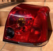 Toyota Avensis 2003-2008 Piloto Trasero Derecho - 8155105140