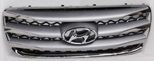 OEM Hyundai Santa Fe Upper Grille 86560-2BAA0 Clips Missing