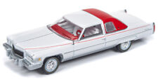 Auto World Cadillac Coupe Deville 1967 White 64192 B 1/64