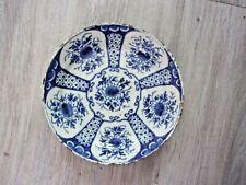 Assiette DELFT à décor de fleurs -Camaïeu bleu - XVIIIe siècle